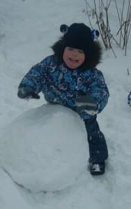 Лепим снеговика