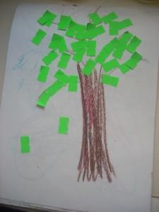 Необычные аппликации: дерево из ценников