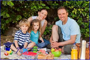 На пикник с малышом: безопасно, вкусно, интересно