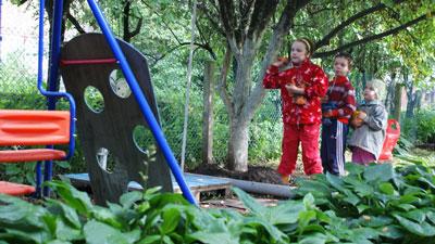 Развиваем меткость на детской площадке