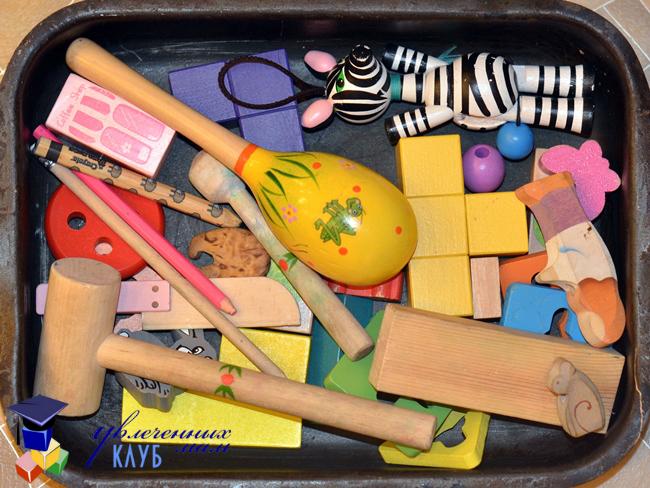 Сенсорная коробка Деревянные предметы